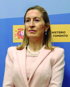 """Ana Pastor, Ministra de Fomento de España: """"En 2015 la dotación presupuestaria   para ferrocarril será de 9.260 M€"""""""