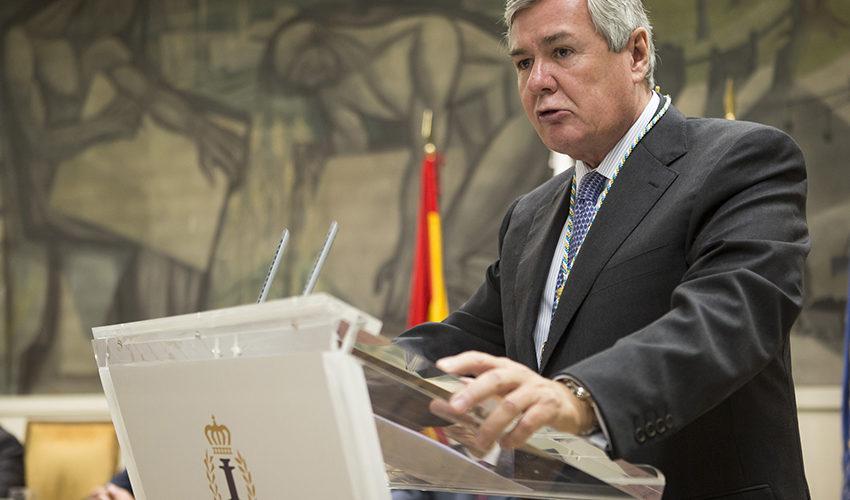 El presidente de SENER, Jorge Sendagorta, recibe la medalla de Miembro de Honor del Instituto de la Ingeniería de España